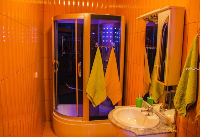 Отель в Запорожье в клубе «СЭМ» на 6 номеров с сауной